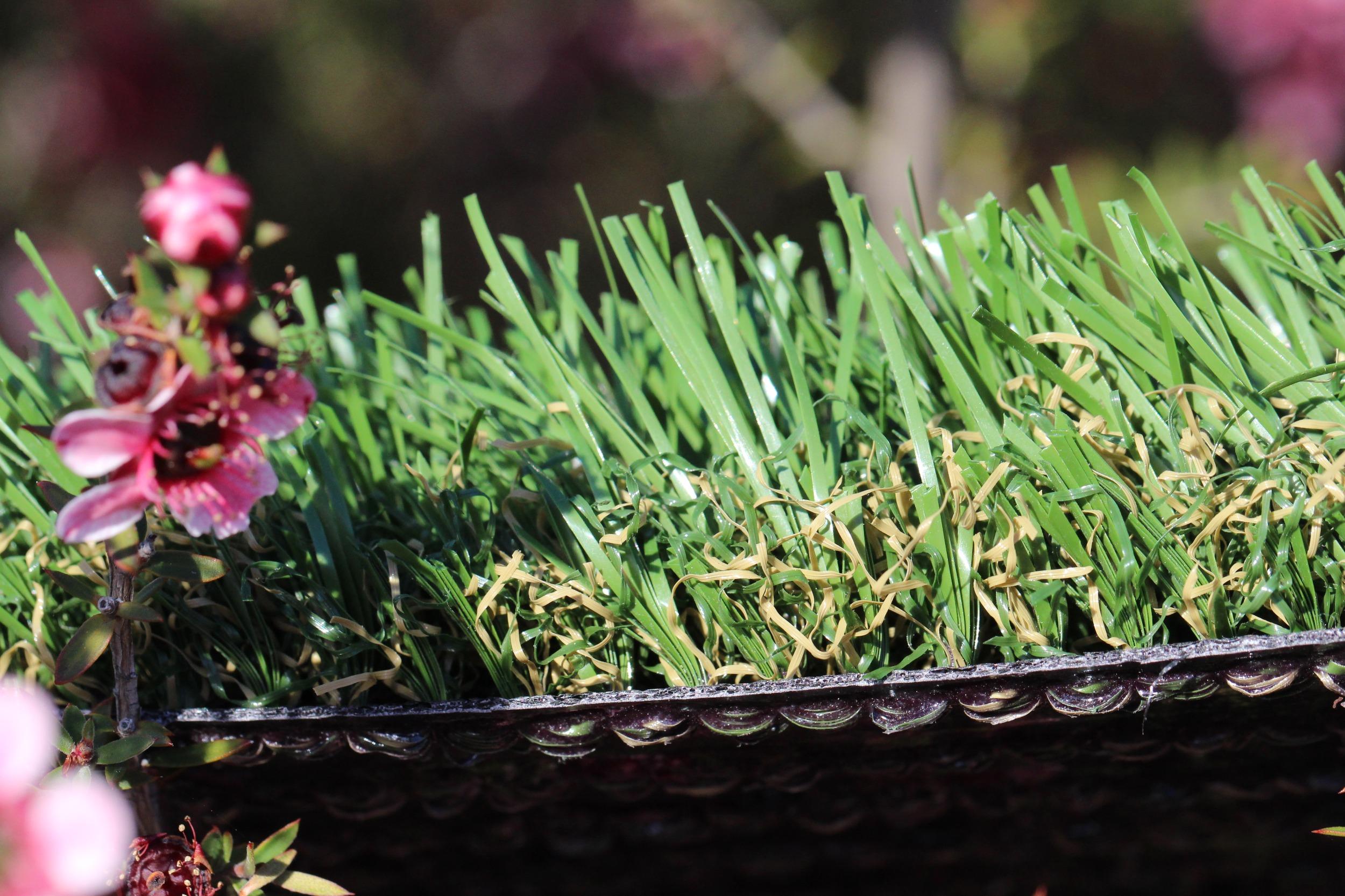 Emerald-46 Outdoor Artificial Grass For Lawns