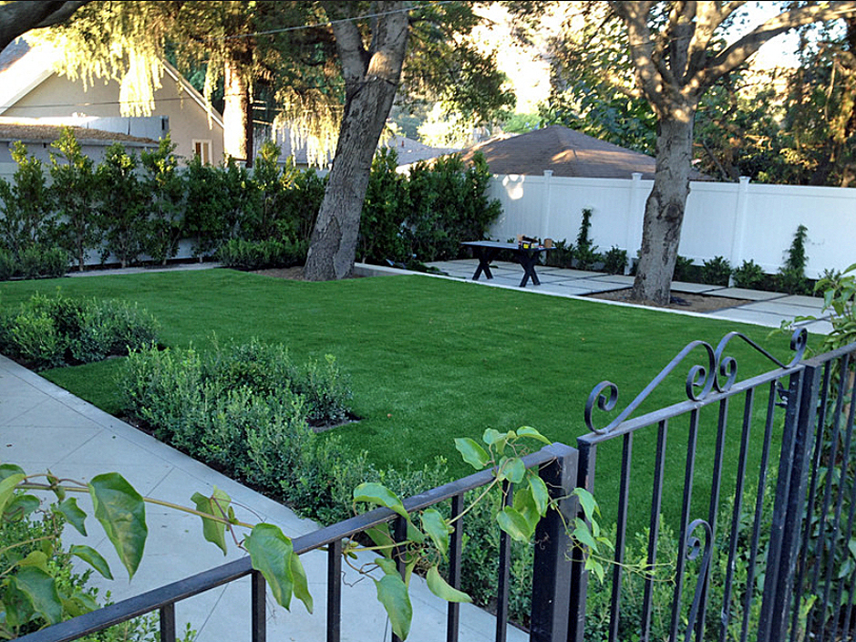Artificial landscaping fake grass la presa california for Home turf texas landscape design llc houston tx
