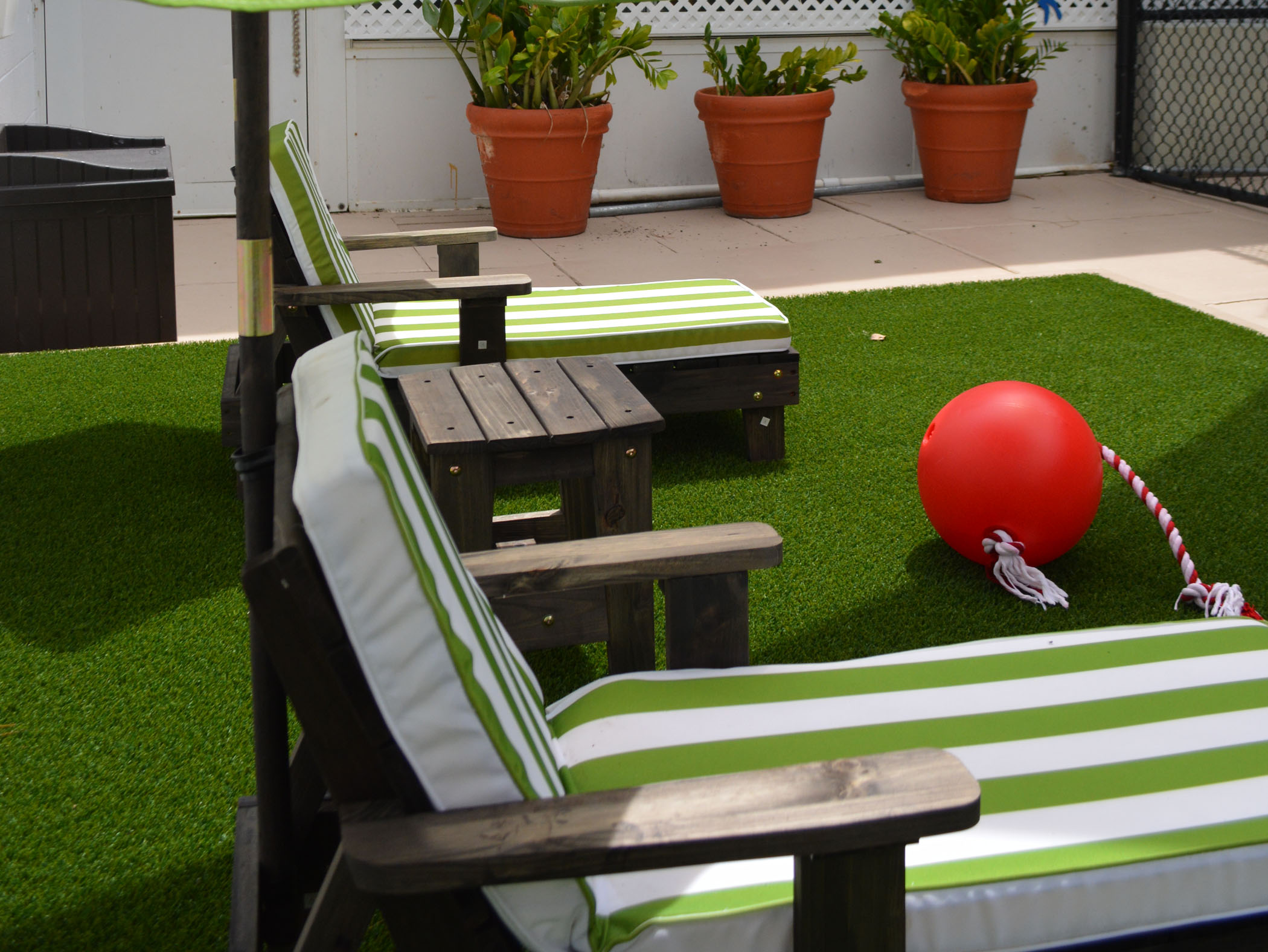 Artificial Turf, Fake Grass Roof Tops Carmichael, California