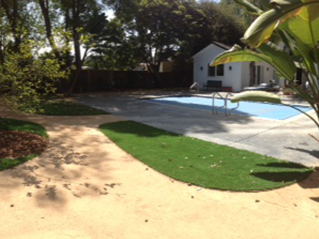 Swimming Pool with Artificial Grass Delano, California