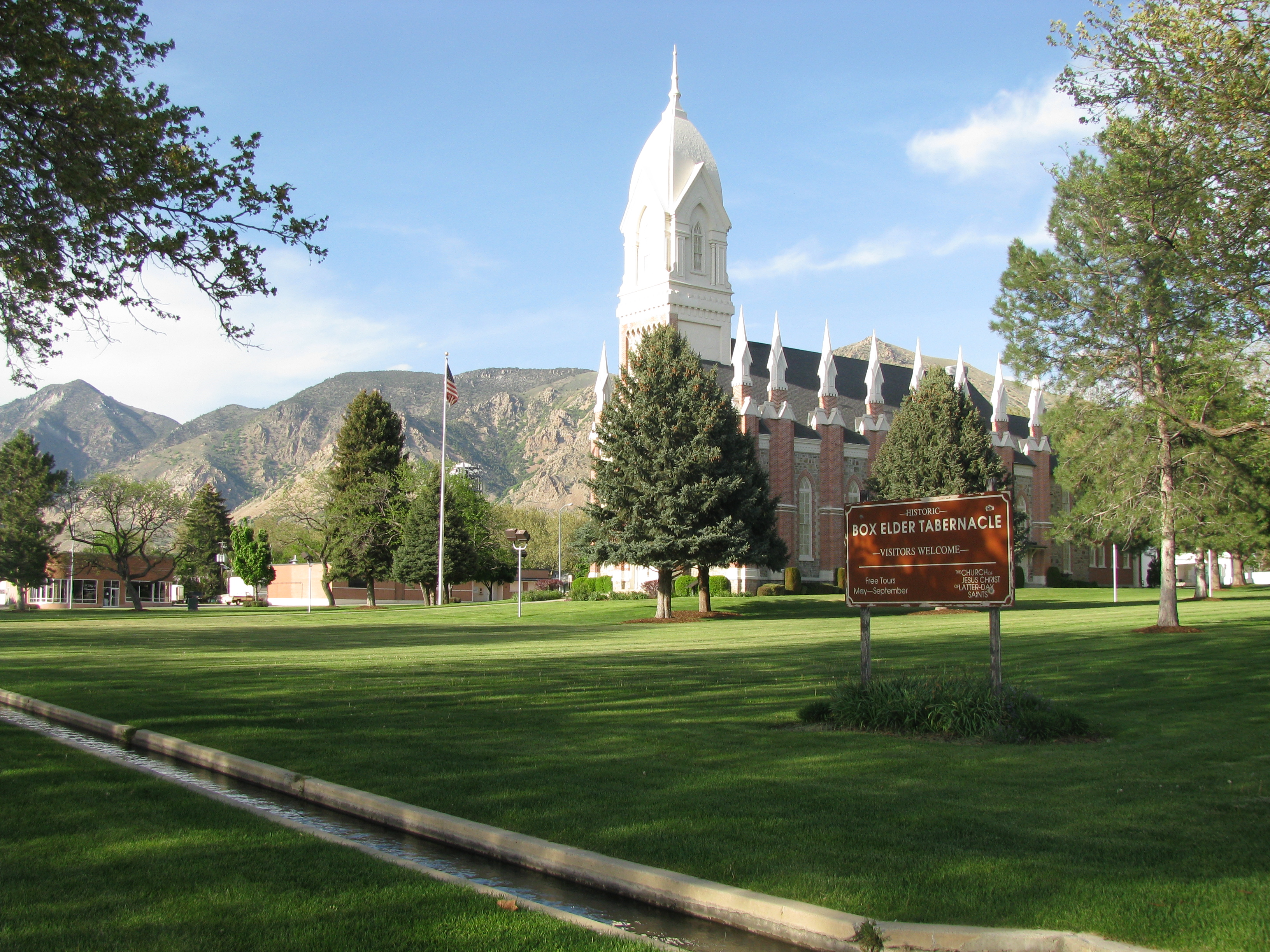 Artificial grass, synthetic turf in Brigham City, Utah