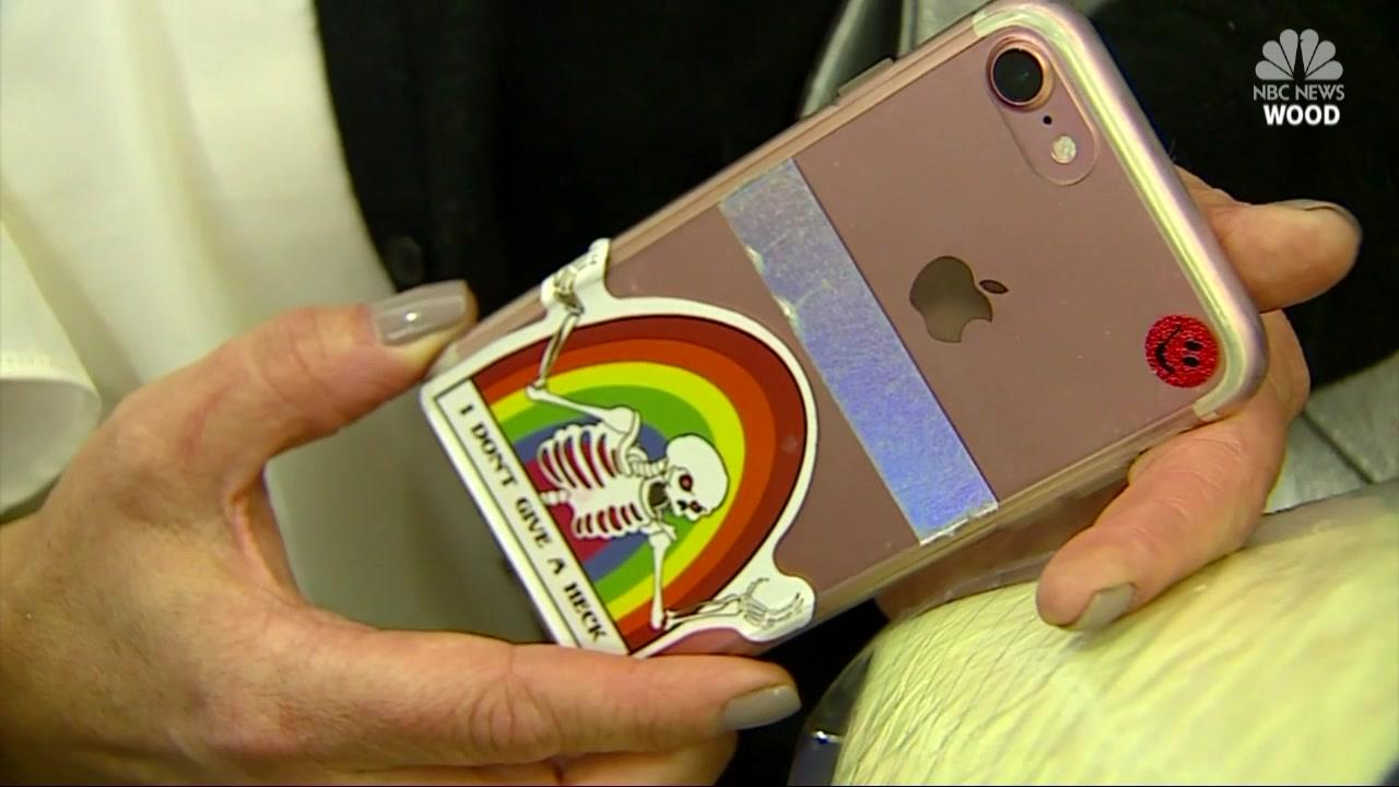 Woman Taken to Court for Confiscating Teen Daughters Phone