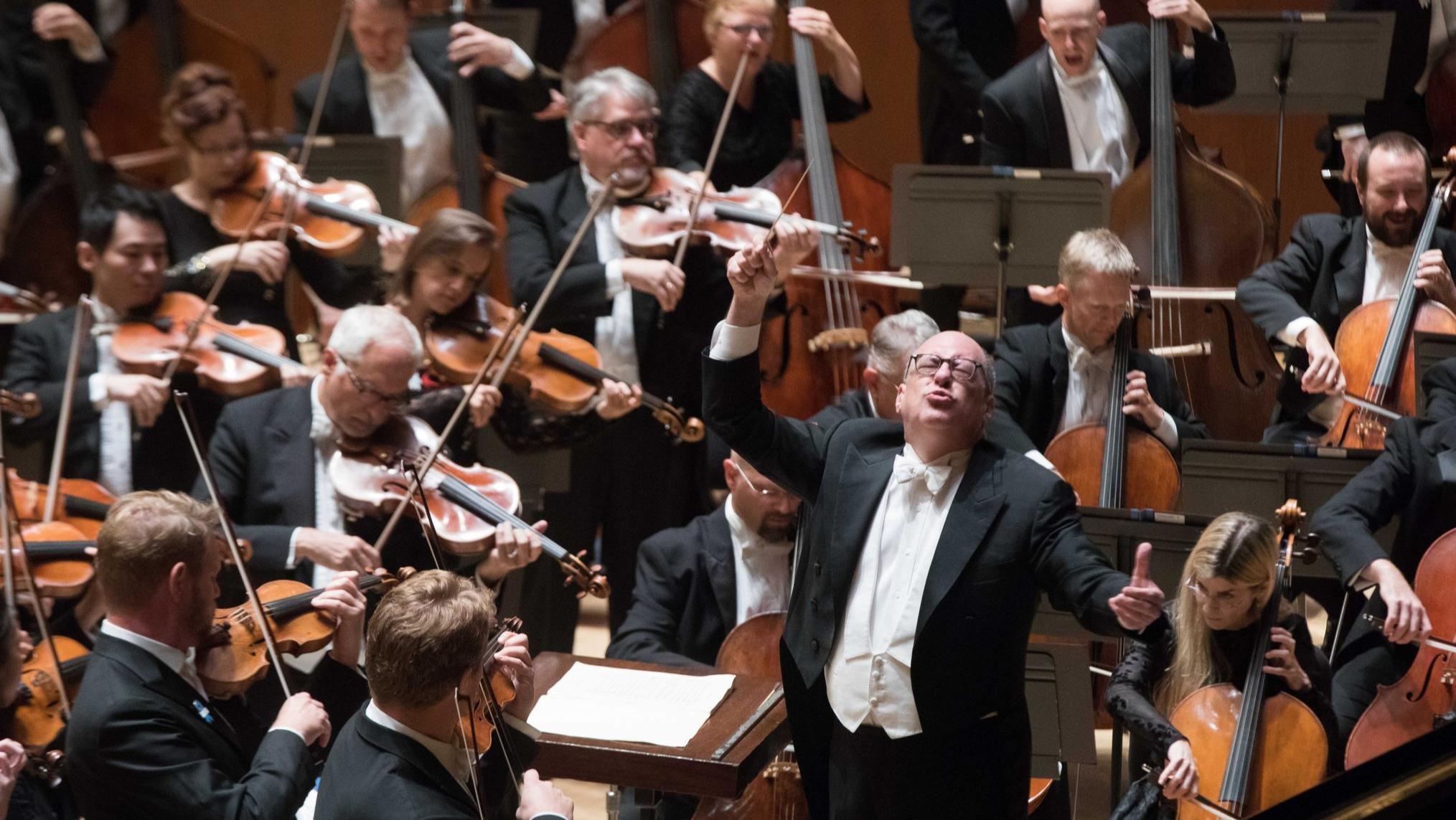 Review: Gerstein, Spano bring the unexpected to ASO season opener