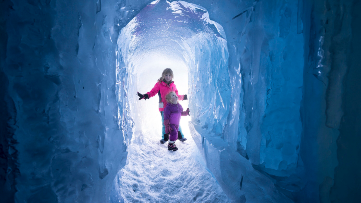 Stunning Ice Castles Coming to Lake Geneva This Winter