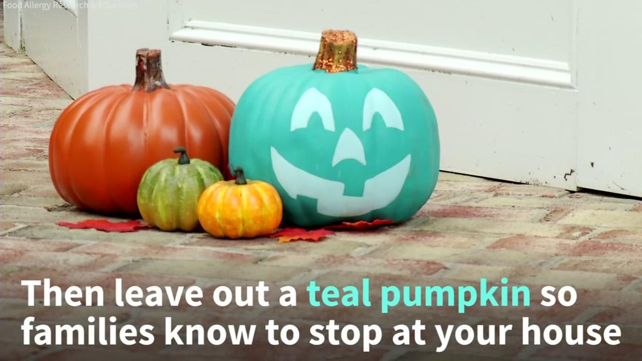 How teal pumpkins help kids with food allergies have a happy, safe Halloween