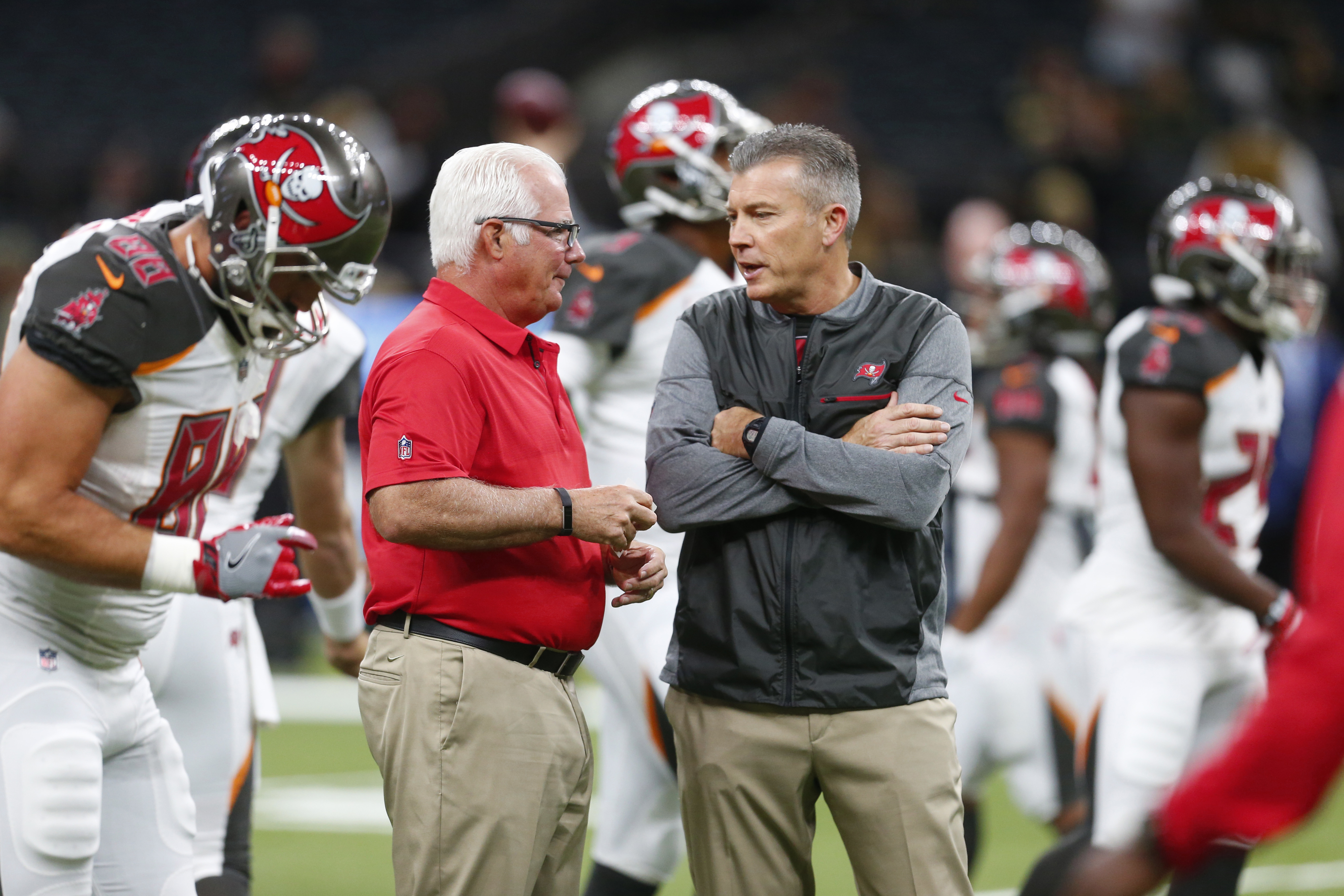 Why Mike Smith, defensive man, is again out of work