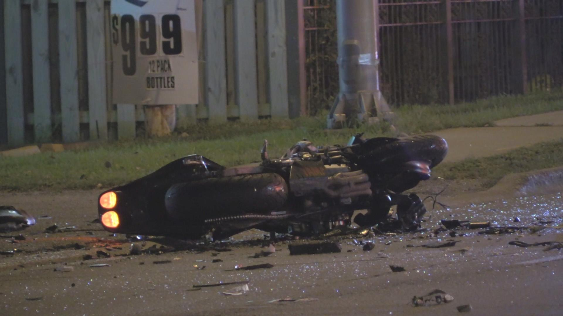 1 Dead, 2 Injured in South Suburban Crash