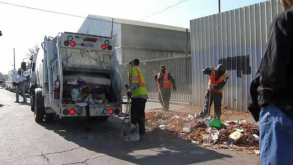Oaklands Bulky Block Parties Curb Illegal Dumping