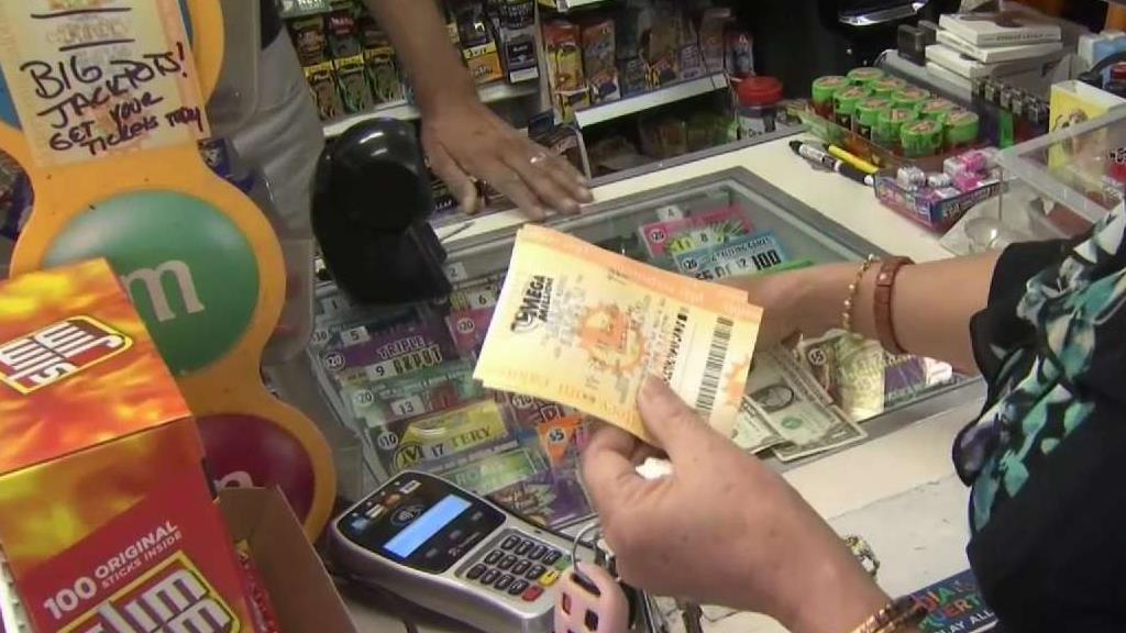 People Flock to Lucky SJ Store For Mega Millions Gold