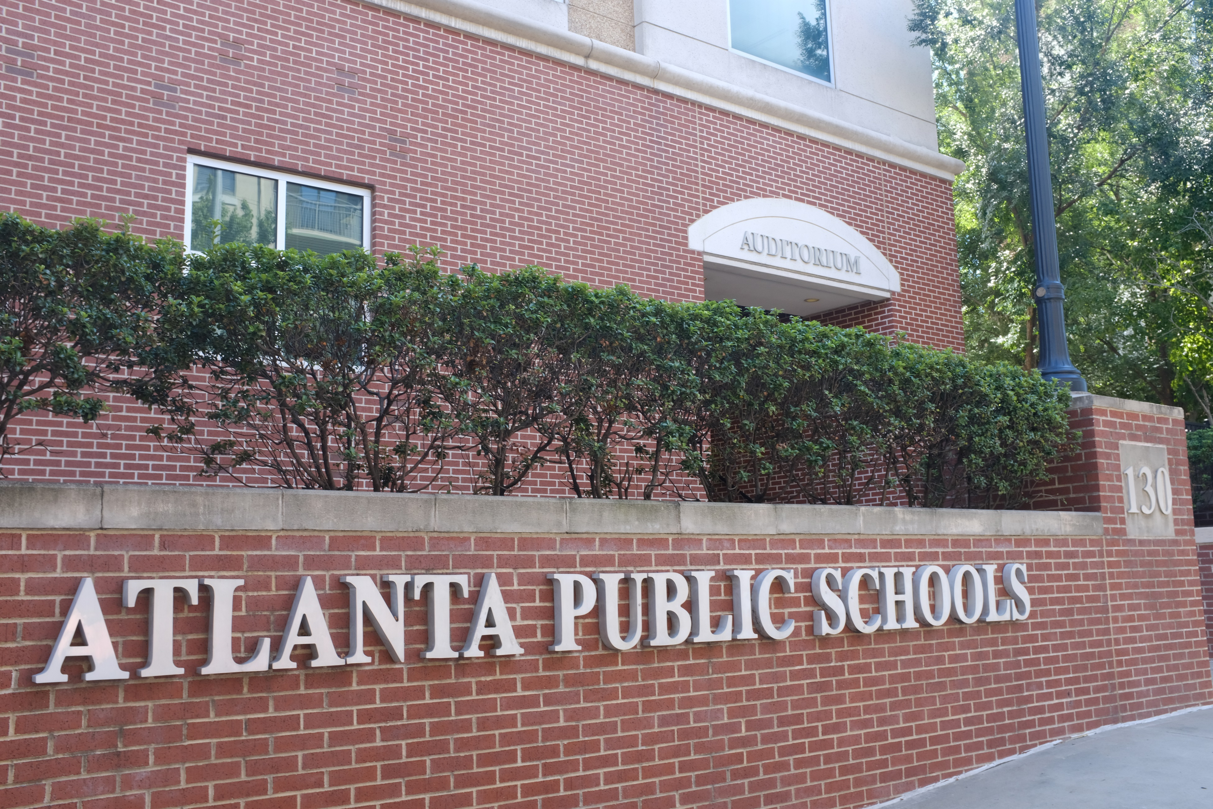 3 finalists named for Atlanta teaching award