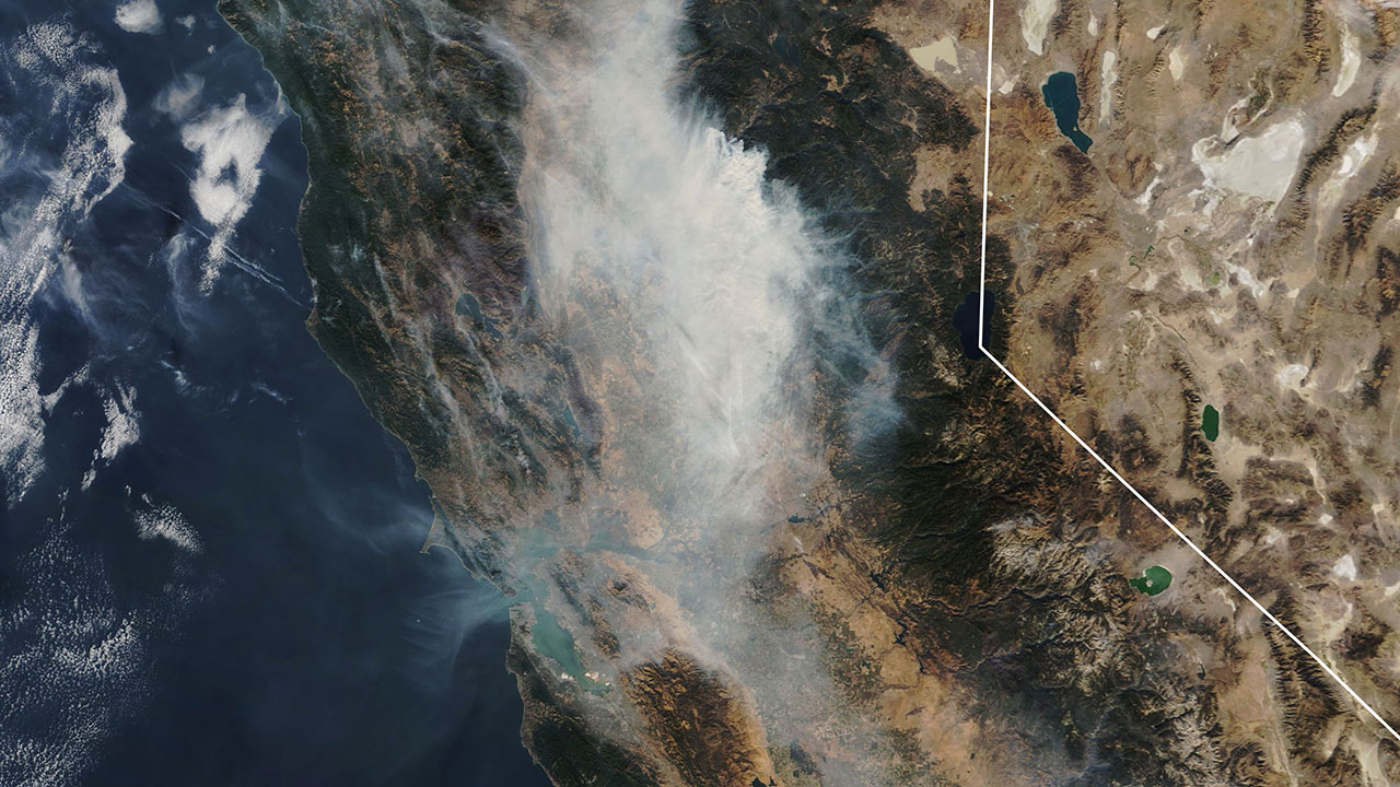 Camp Fire time-lapse: How smoke plume spread over Northern California