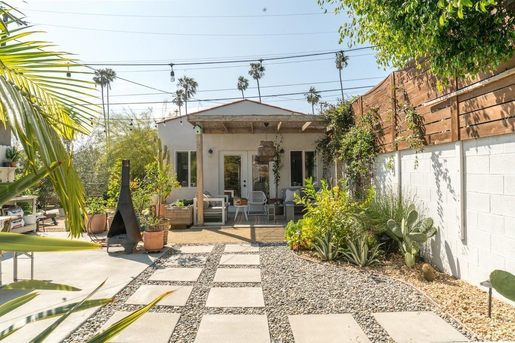 Before &amp After: A boring backyard is transformed with outdoor